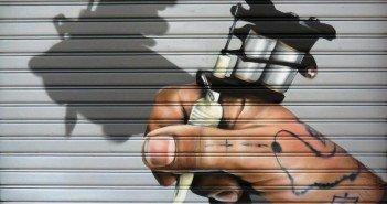 disegno su serrande a Milano