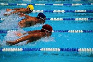 Collegiali di nuoto a Riccione