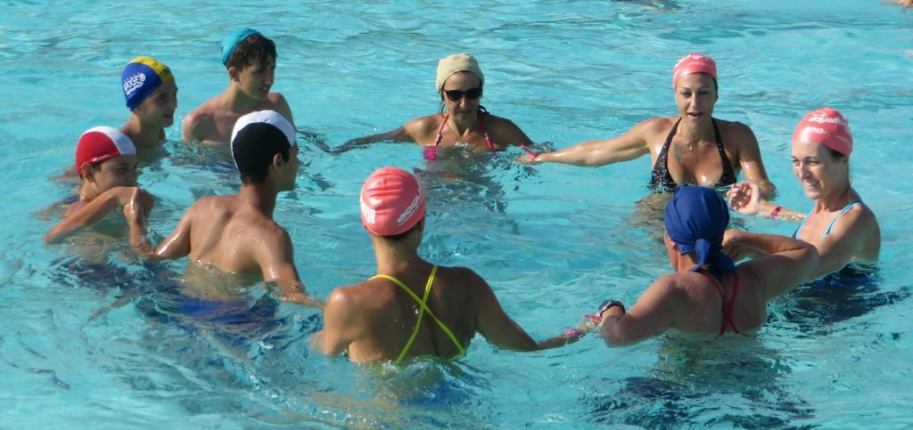 risate, benessere, salute, esercizi in acqua, piscina