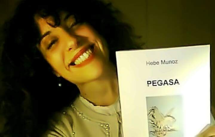 """Hebe Munoz e il suo libro di poesie """"Pegasa"""""""