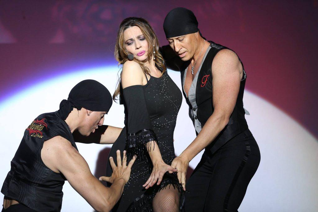Una parte dello spettacolo con Elena Presti e los Cheveres Latinos