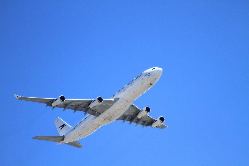 aereo, volo aereo, voli, volo, aereoplano, vacanze, viaggi, turismo, vacanza, vacanze