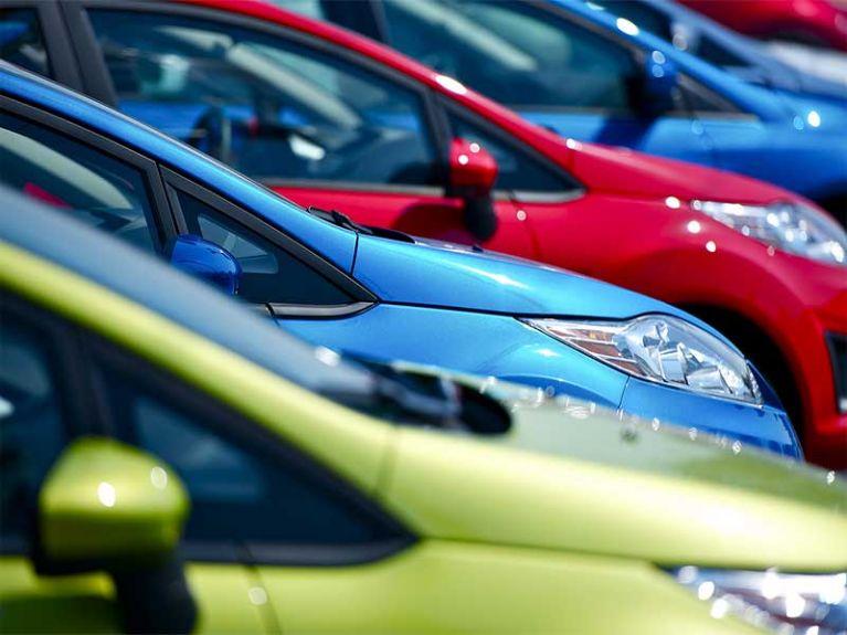 Coronavirus: le regole per l'igiene dell'automobile per chi viaggia in auto