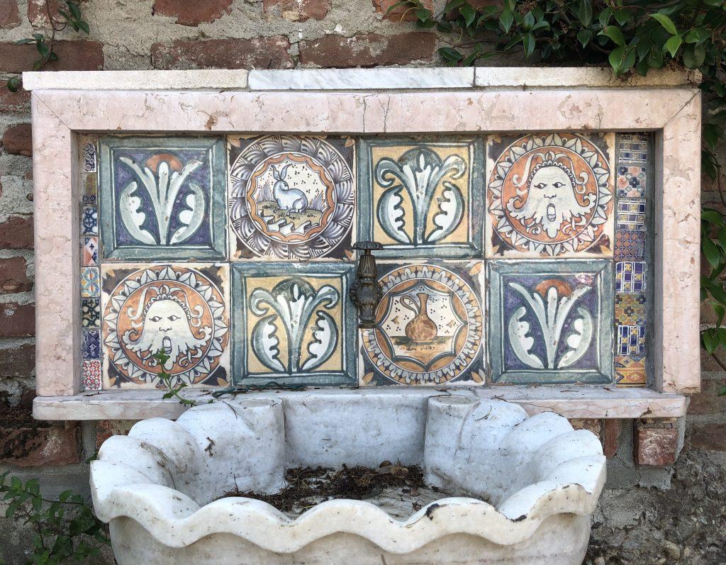 Una fontana restaurata da Barbara Appiano