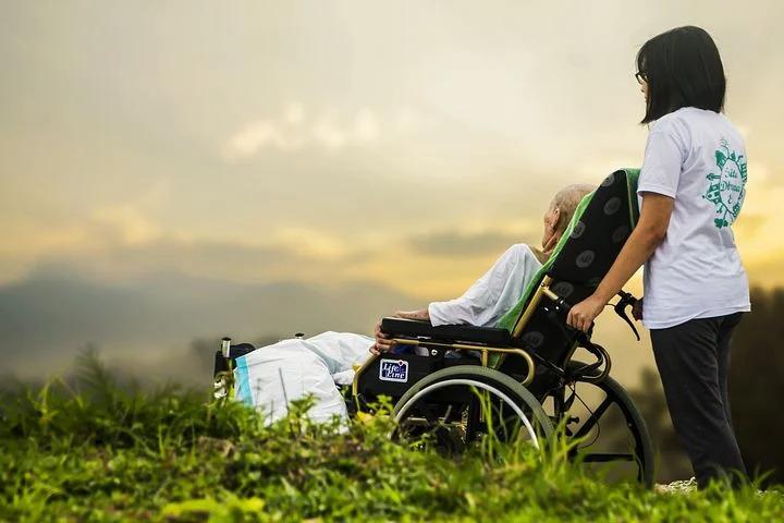 alzheimer covid assistenza alzheimer, anziani, ammalati, anziano ammalato, badante